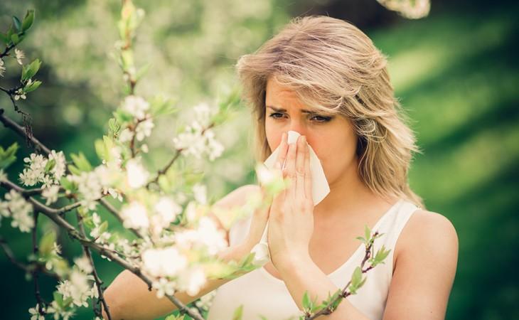 אלרגיה עונתית ותופעות לוואי של עונת המעבר